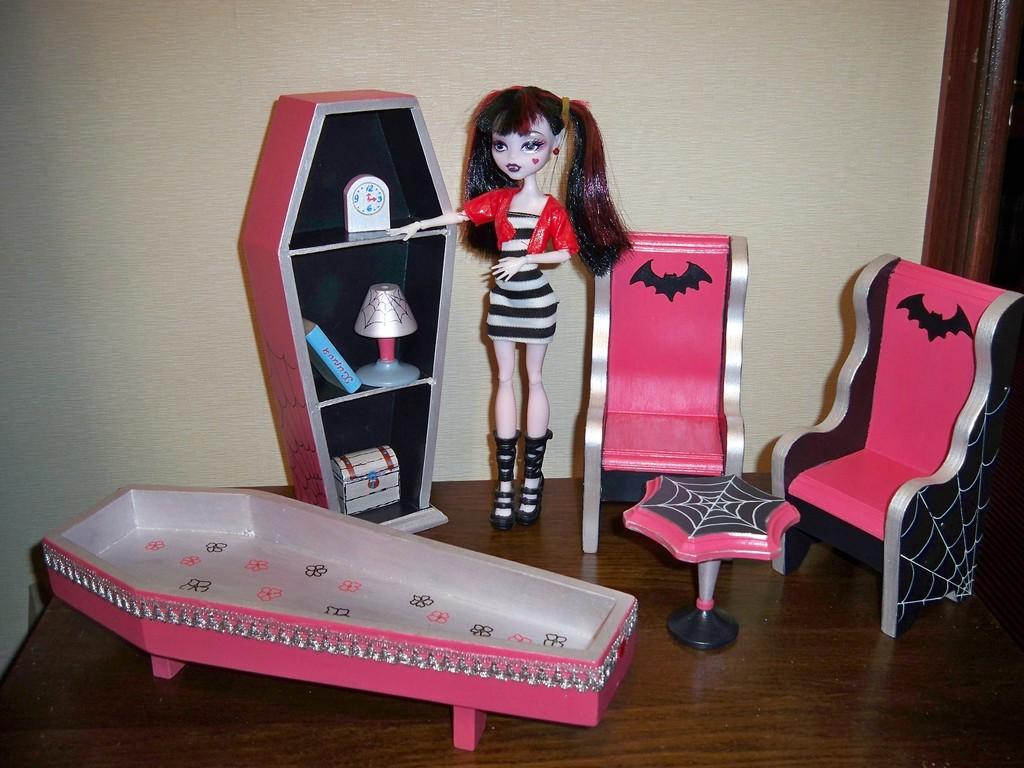 Моя мебель для монстр хай